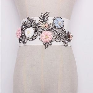 Accessories - 🆕 FLORAL EMBROIDERY BELT